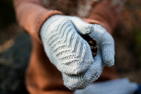 Northbound Mitts Pattern by Claire Borchardt | Ravelry