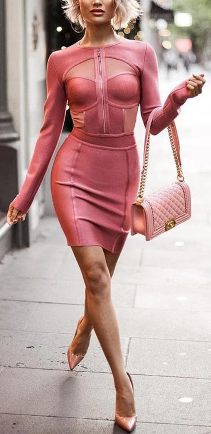 Romantic Classy Outfit Ideas for Women - Pink Zipper Dress Outfit Ideas for Women  - día de san valentín Outfit Ideas para mujeres - www.GlamantiBeauty.com