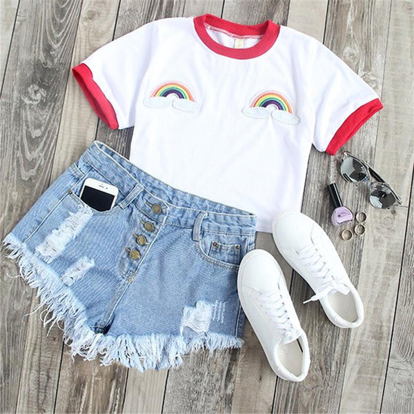 Cute Back to School Outfit Ideas for Teen Girls with Shorts for School or Vacation  - Casual Rainbow Embroidered T-Shirt Tee in White - Ideas lindas del equipo del verano para las muchachas adolescentes - www.GlamantiBeauty.com #summerstyle #outfits