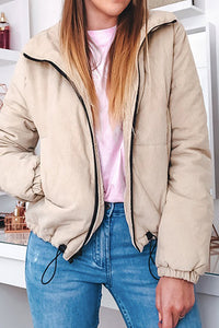 Cute Winter Outfit Ideas for Women Puffy Bomber Cropped Jacket - lindas ideas de ropa de invierno para mujeres - www.GlamantiBeauty.com #outfits #jackets
