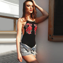 Summer Outfit Ideas for Teens for School - Hot Baddie Festival Fashion - Rose Embroidery Bodysuit with Jean Shorts - ideas de trajes de verano para adolescentes - www.GlamantiBeauty.com