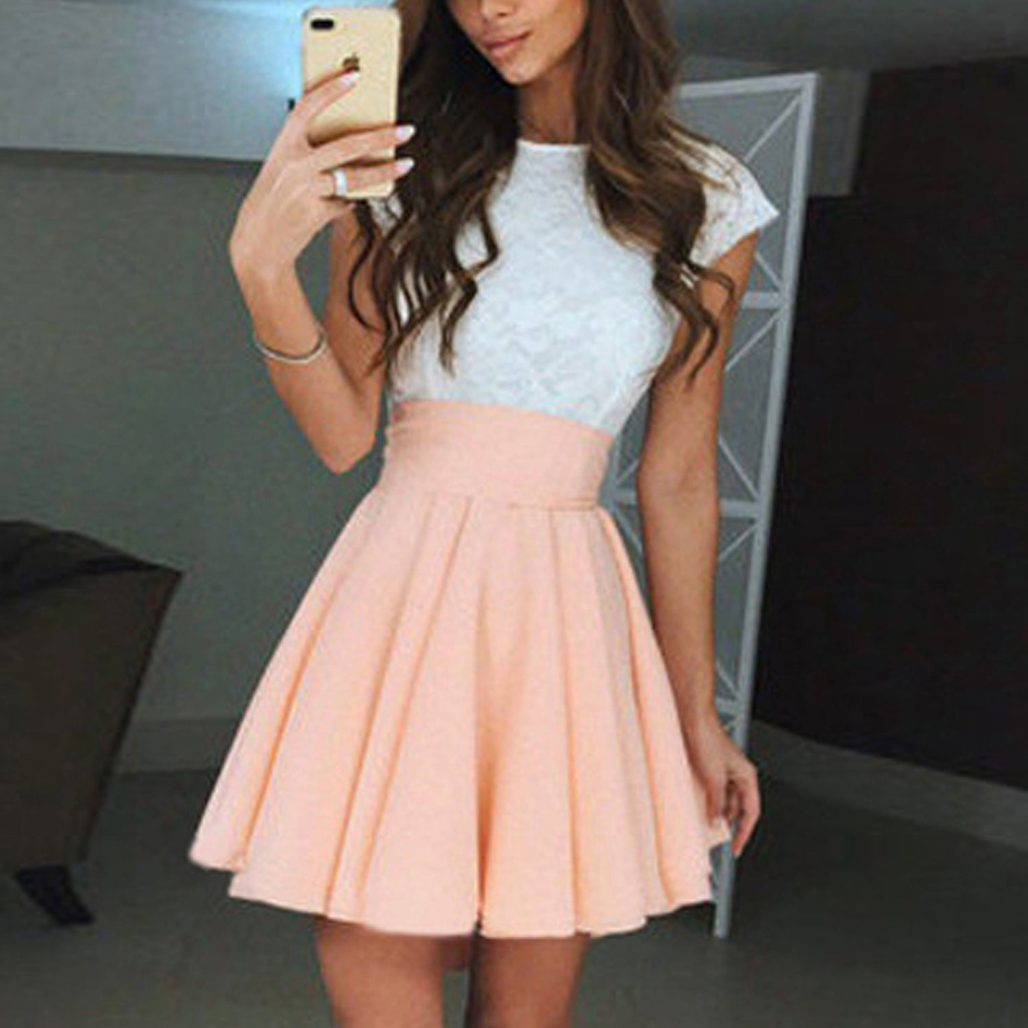 a0db6f321fda46 Cute Skater Skirts Outfits