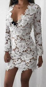 Cute Classy Summer Outfit Ideas for Teens - Elegant Beautiful White Floral Mini Dresses Long Sleeve - Lindo verano con clase Ideas de vestimenta para adolescentes -  www.GlamantiBeauty.com - #dress