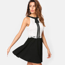 Cute Work Outfit Ideas for Women - Classy Elegant Lace Mini Dresses in Black & White - bonitas ideas de trajes de trabajo para mujeres - www.GlamantiBeauty.com #outfits