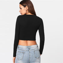 Casual Fall Back to School Outfit Ideas for Teens for Women 2018 - Black Long Sleeve Crop Top  - Ideas casuales de regreso a la escuela de verano -  www.GlamantiBeauty.com