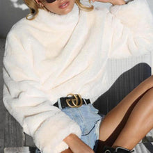 Comfy Cute Winter Outfit Ideas for Teen Girls School 2018 - Fuzzy Soft White Turtle Neck Sweater for Women - Ideas lindas de ropa de invierno para chicas o mujeres adolescentes - www.GlamantiBeauty.com