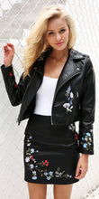 Edgy Spring Summer Outfit Ideas for Women Vintage Street Style Fashion -  Ideas de ropa de primavera para mujeres - Leather Jacket - www.GlamantiBeauty.com