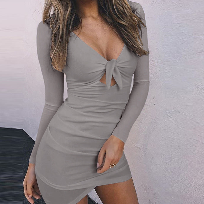 Chic Summer Dresses Outfit Ideas for Teen Girls - Long Sleeve Front Tie Up Tight Short Mini Dress -ideas lindas del equipo del verano para las muchachas adolescentes - www.GlamantiBeauty.com #dresses #dress #outfit