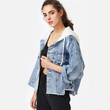 Casual Sporty Back to School Outfit Ideas for Teens 2018 - Hoodie Jean Jacket - Ideas casuales de regreso a la escuela de verano -  www.GlamantiBeauty.com