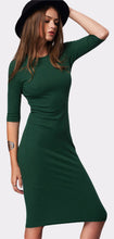 Fashion Stylish Spring Long Dresses Outfit Ideas for Women  - Casual  Hipster Tight Bodycon Green Midi Dress - ideas lindas del equipo de la primavera para las mujeres - www.GlamantiBeauty.com #dresses #outfit