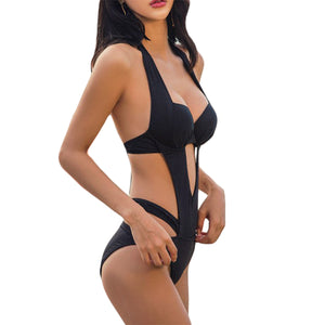 Hot Strappy Bandage One Piece Swimsuit Baddie Sexy Cut Out Halter Neck Black Monokini Trikini Beach Vacation Outfit Ideas for Women - traje de baño ideas de trajes de playa para mujeres - www.GlamantiBeauty.vom #swimwear
