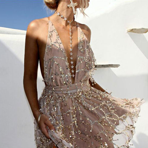 Fancy Summer Outfit Ideas 2018 for Going Out Party Clubbing - Sequin Halter Neck Dress Romper in Nude / Gold - ideas elegantes del equipo del mameluco del verano para las mujeres - www.GlamantiBeauty.com #outfits