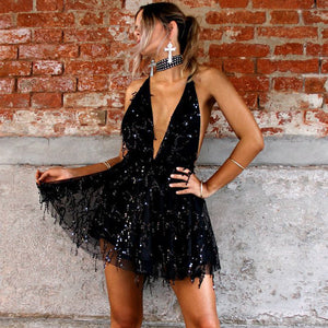 Fancy Summer Outfit Ideas 2018 for Going Out Party Clubbing - Sequin Halter Neck Dress Romper in Black - ideas elegantes del equipo del mameluco del verano para las mujeres - www.GlamantiBeauty.com #outfits