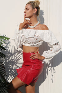 Chic Summer Outfit Ideas for Women 2018 - Classy Leather High Waisted Skirt & Off the Shoulder Ruffle Crop Top - ideas elegantes del equipo del verano para las mujeres -www.GlamantiBeauty.com #outfits #summerstyle