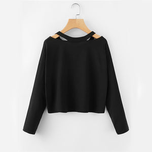 Cute Casual  Back to School Outfit Ideas for Teens 2018 - Rose Embroidery Sweatshirt Crop Top Sweater in Black- Ideas casuales de regreso a la escuela de verano -  www.GlamantiBeauty.com