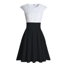 Cute Pretty Lace Skater Dresses for Spring 2018 in Black - verano lindo vestidos ideas de vestimenta para adolescentes - www.GlamantiBeauty.com #dresses #outfits