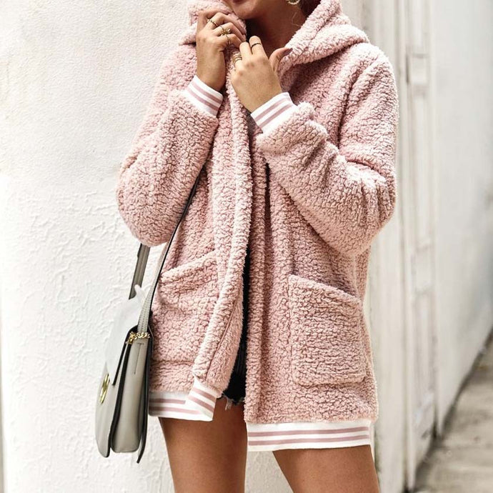 Cute Casual Winter Outfit Ideas for Women - Cozy Soft Sherpa Sweater Jacket - www.GlamantiBeauty.com