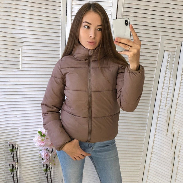 Cute Warm Bomber Puffer Jacket Winter Fall Outfit Ideas for Women for Teen Girls  - lindas ideas de ropa de invierno para mujeres - www.GlamantiBeauty.com