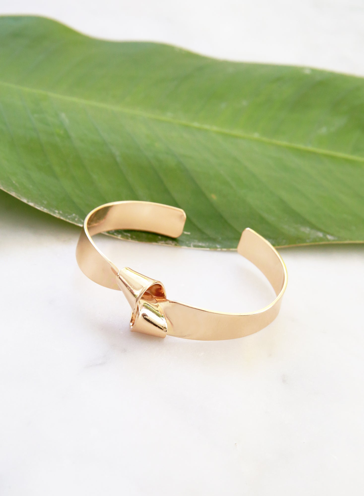 Parker Knotted Cuff (Gold) - And Well Dressed