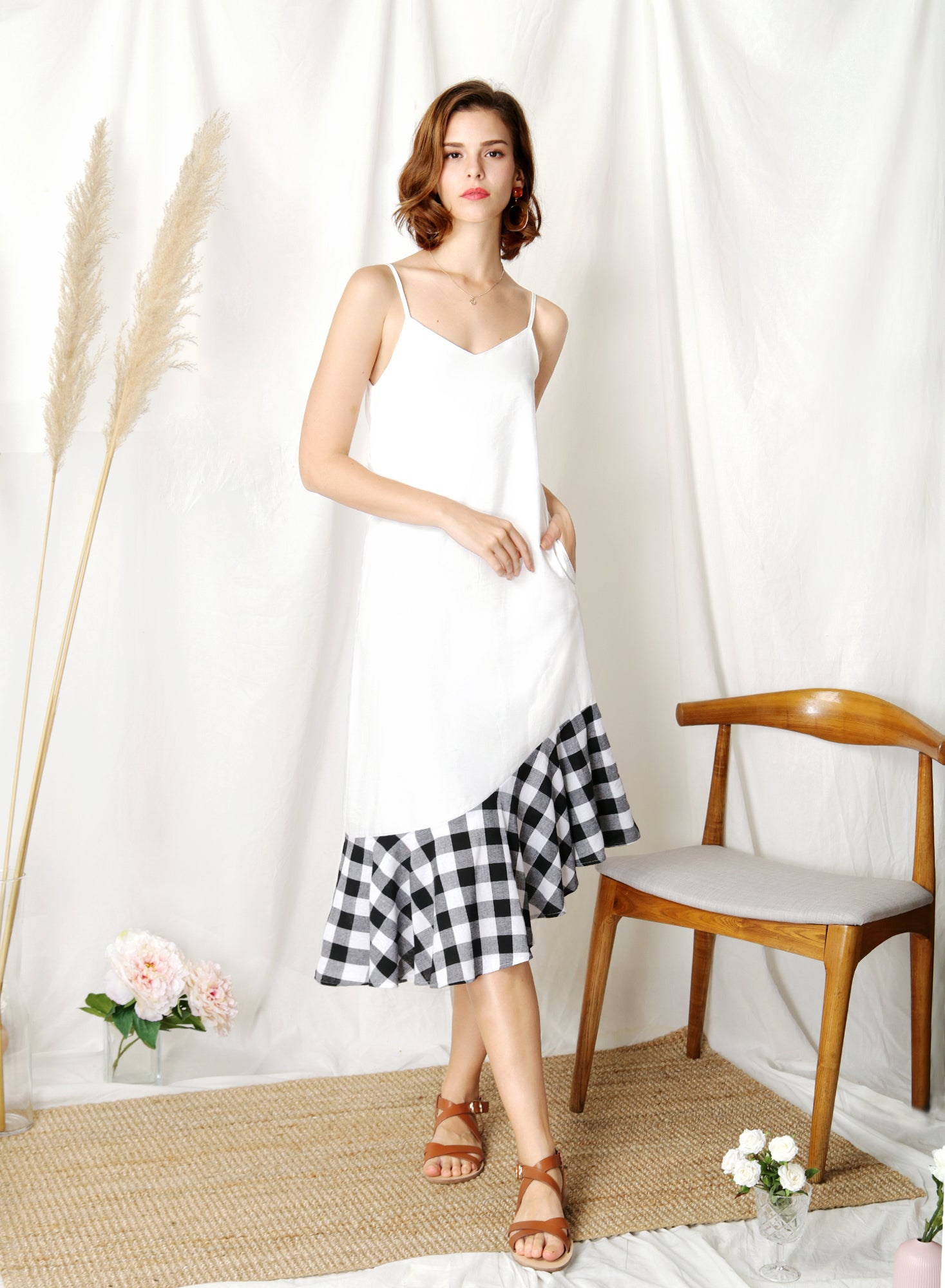 Sidelines Contrast Hem Maxi Dress (White/Black) - And Well Dressed