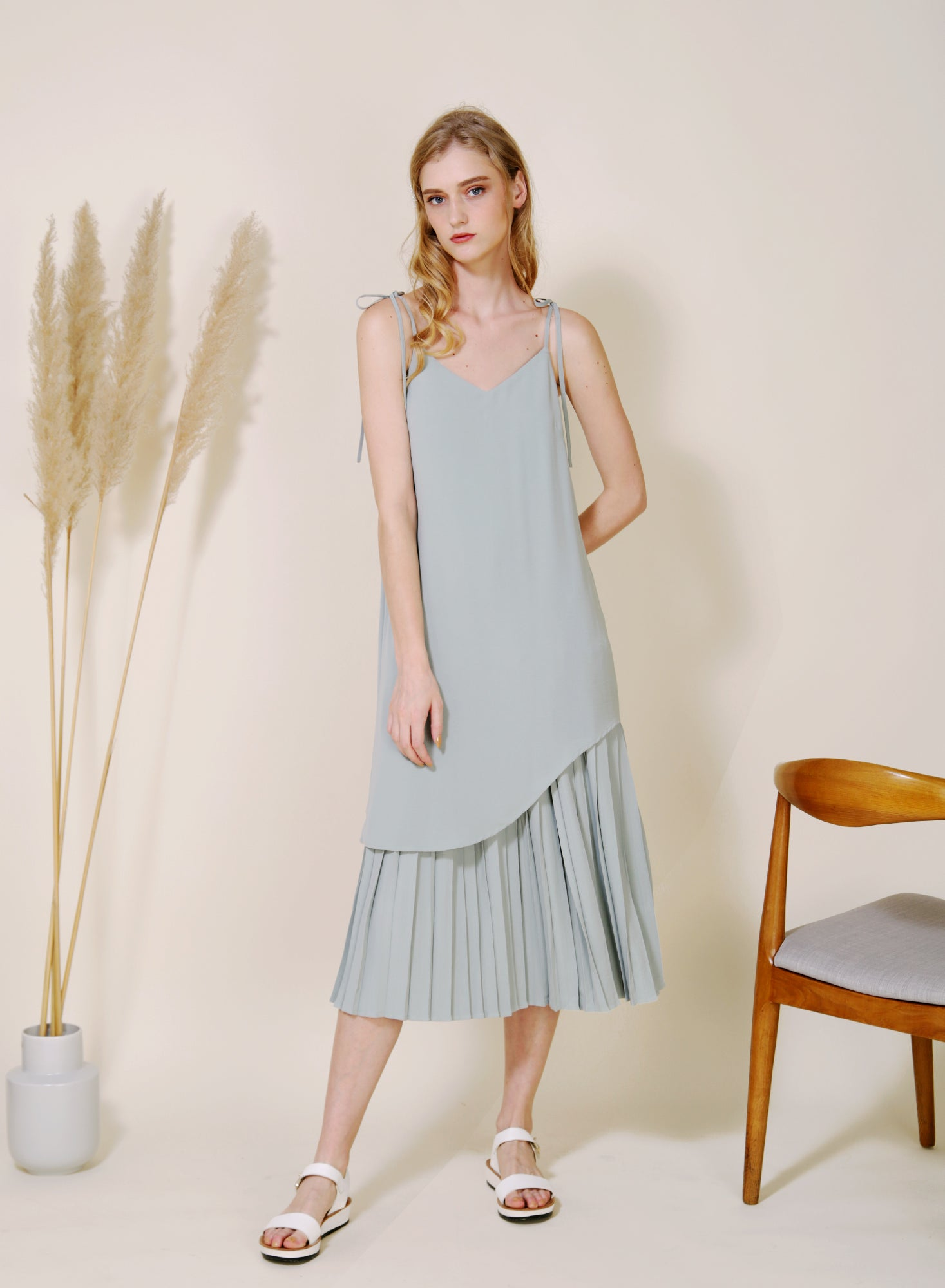 Aura Curved Hem Pleated Maxi Dress (Jade)