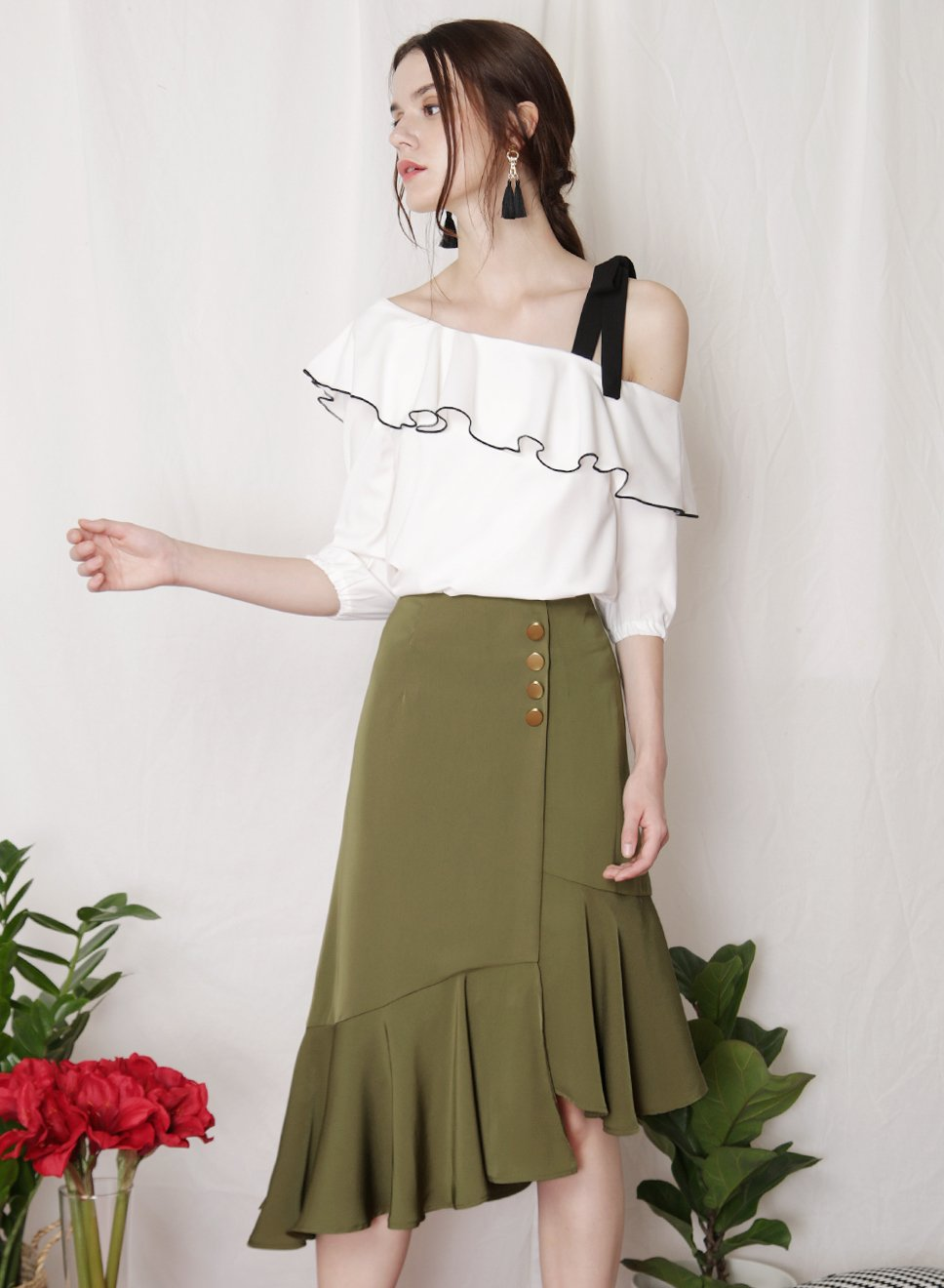 PARADE Contrast Trim Top (White) - And Well Dressed