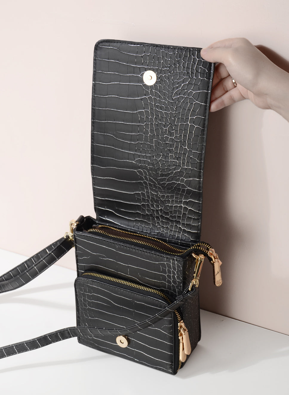 MILA CRACKED LEATHER BAG (BLACK) - And Well Dressed