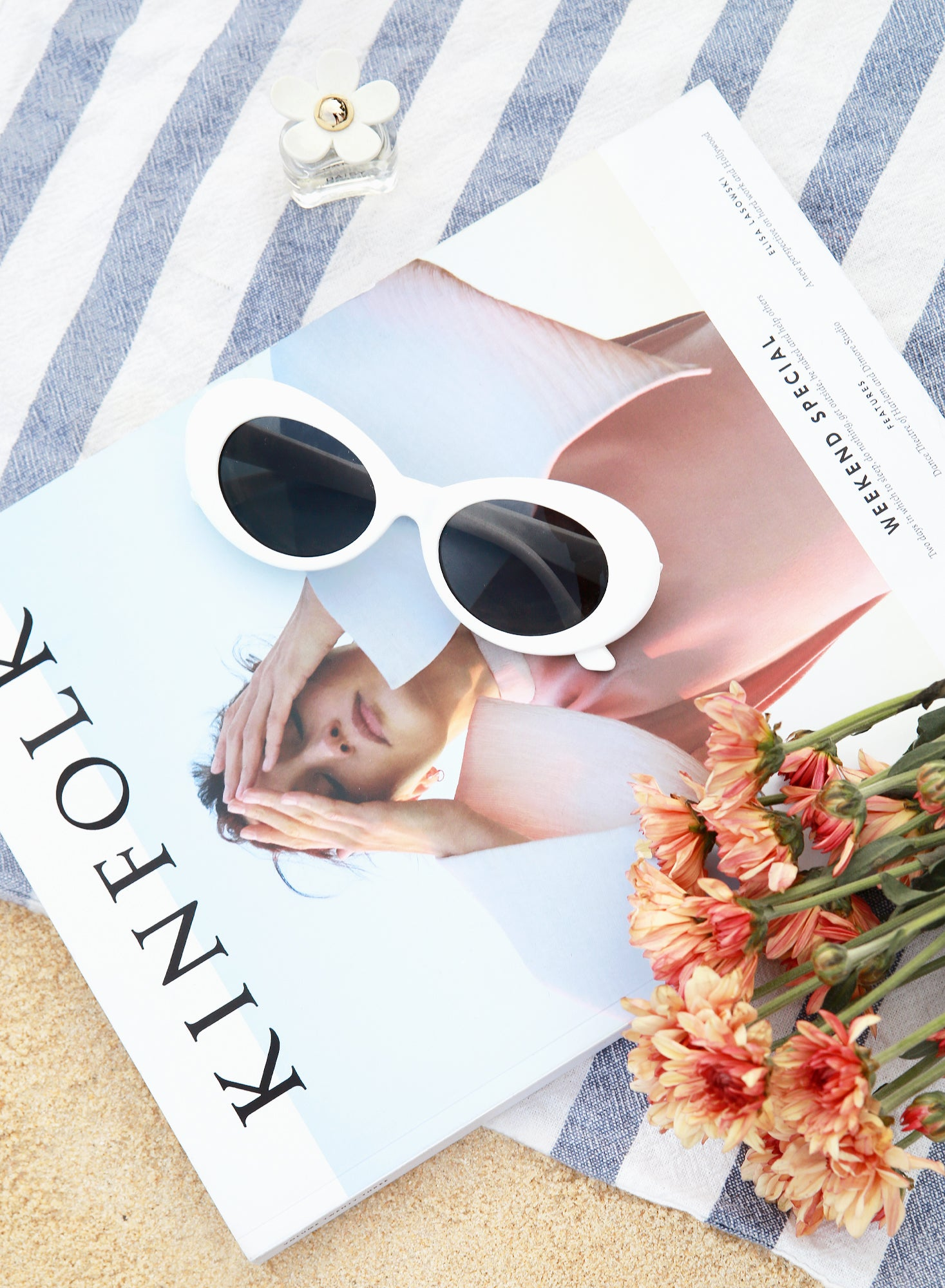 Vela Round Eyes White Sunnies