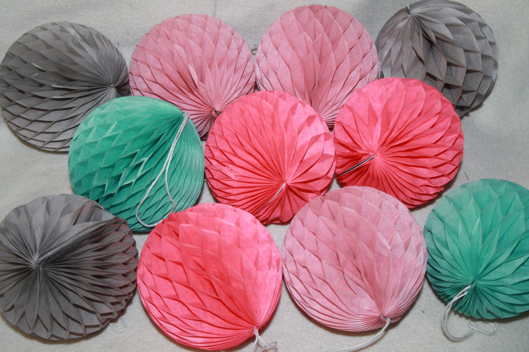 Pack Of 3 Honeycomb Pom Poms - 10 Cm