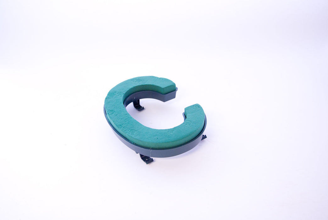 "Oasis Floral Foam Letter with Clips ""C"""