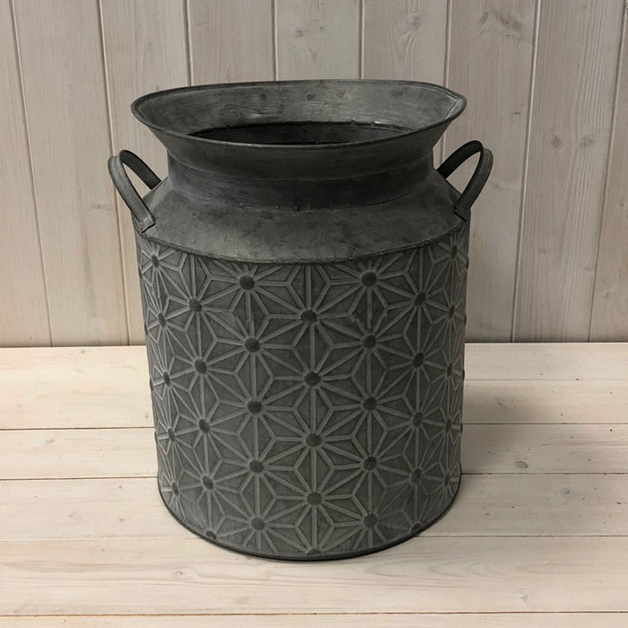 Embossed Daisy Design Churn - 34.5 x 25cm