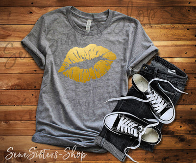 Lipstick Kiss Lips Print Gold - Bella & Canvas - O-neck Unisex Short Sleeve Jersey Tee - 12 Colors Available Plus Size XS-4XL - MADE IN THE USA