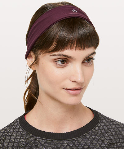 Healthy Holiday Gift Idea : Lululemon Fly Away Tamer Headband