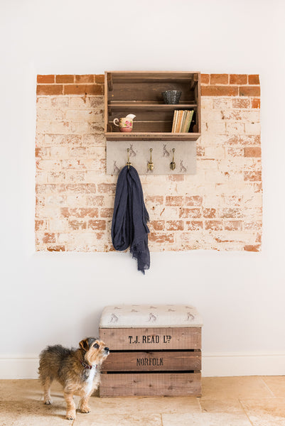 Blue dot hare apple crate storage stool