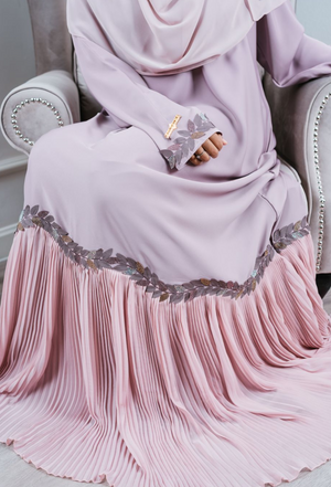 Nida and Chiffon Pleated Lavender and Mink Abaya with the matching Hijab