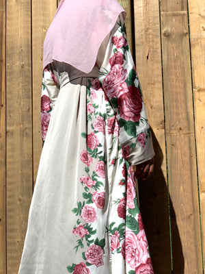 Load image into Gallery viewer, Grey Floral Satin Silky Kimono Abaya