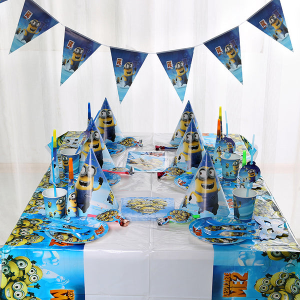 Minion table cutlery/birthday party set - PartyMonster.ae