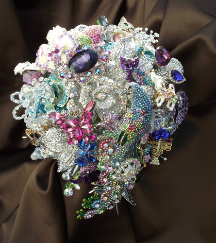 Custom Order large size purple brooch bouquet deposit, cascade brooch bouquet, vintage jewelry bouquet, cascade wedding bouquet