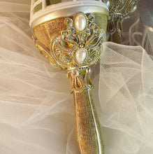 jeweled bouquet holder, gold pearl wedding bouquet, elegant wedding supply, great gatsby wedding, lillian rose bouquet holder, brooch bouque