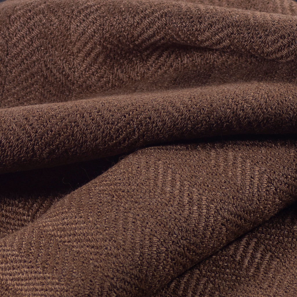 Chiri Cloud 80s herringbone weave closeup
