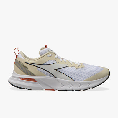 The Men's Mythos Blushield Volo is the latest running shoe from diadora.  And diadora has crushed it with this shoe, it's very light, it has just the right amount of cushion and it looks great on the foot.