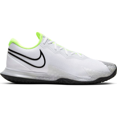 The NikeCourt Air Zoom Vapor Cage 4 is innovated to withstand your toughest matches thanks to an updated design that puts flexible, durable materials exactly where they're needed the most. A unique lacing system keeps your laces hidden for extra durability while sliding.