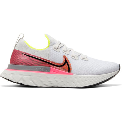 The Women's Nike React Infinity Run Flyknit is designed to help reduce injury and keep you on the run. More foam and improved upper details provide a secure and cushioned feel. Skins around the heel give it a colorful pop. Lace up and feel the potential as you hit the road.