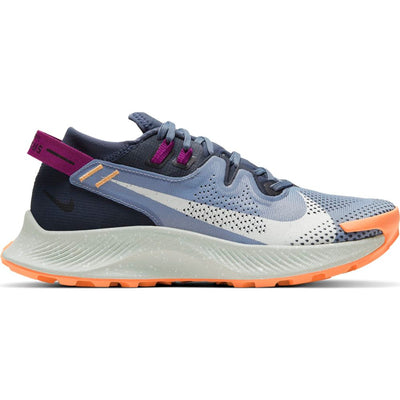 Find your wings on the path less traveled. The Women's Nike Pegasus Trail 2 delivers durability and responsiveness to runners, trail athletes and outdoor enthusiasts. Versatile enough for your everyday miles, it features an ideal fit with plush cushioning and tough traction.