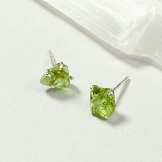 Raw Beauty Post Earring - Peridot