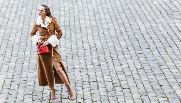 classic fall coat with geometric red bag