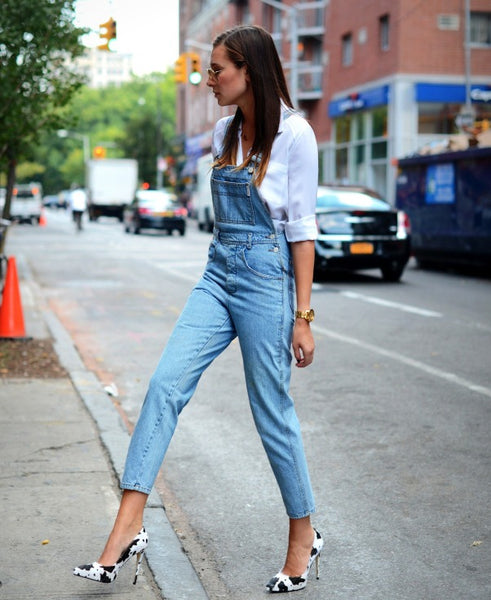 printed pumps with denim overalls