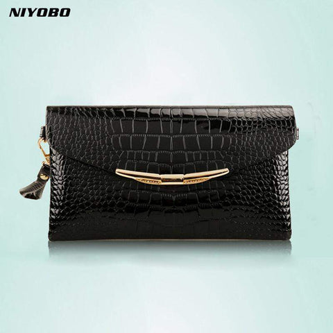 Crocodile Patterned Clutch - BagPrime - Look Your Best with Amazing Bags