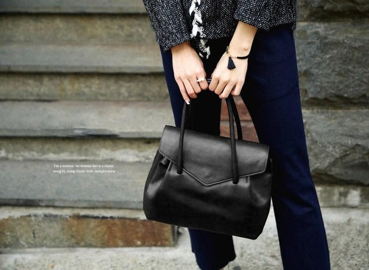 Casual Stylish Woman With Black MODERN CLASSIC SHOULDER BAG - Front View
