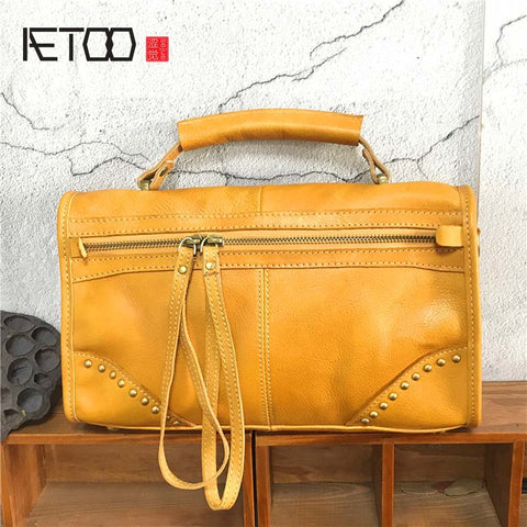 AETOO Retro Genuine Leather Handbag